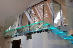 001-schody-szklane